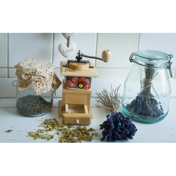 Drewniany młynek do kawy, pieprzu z korbką i kołnierzem
